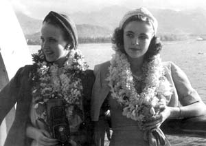 Georgia and Katharine on assignment in Hawaii.